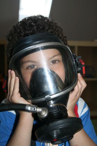 Sich an die Atemschutzmaske gewöhnen