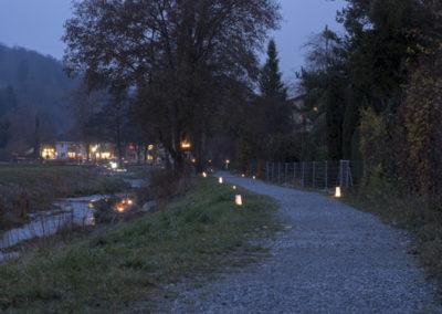 Der Weg führte am Bach entlang